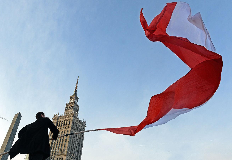 Польша требует триллион долларов