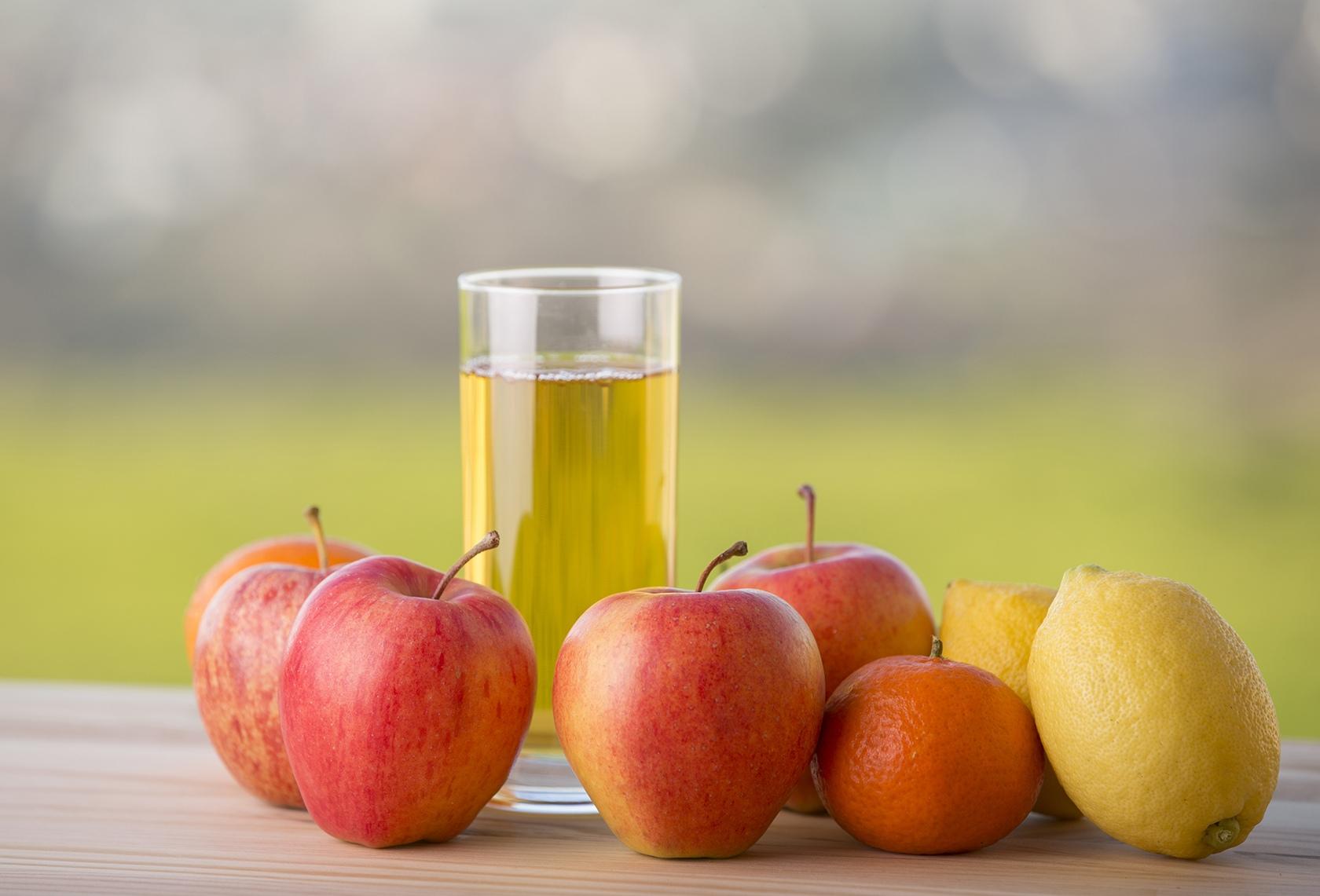 фото яблочный сок на выходе из голода счастье