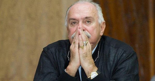 «Смакуют чужую грязь»: Михалков раскритиковал
