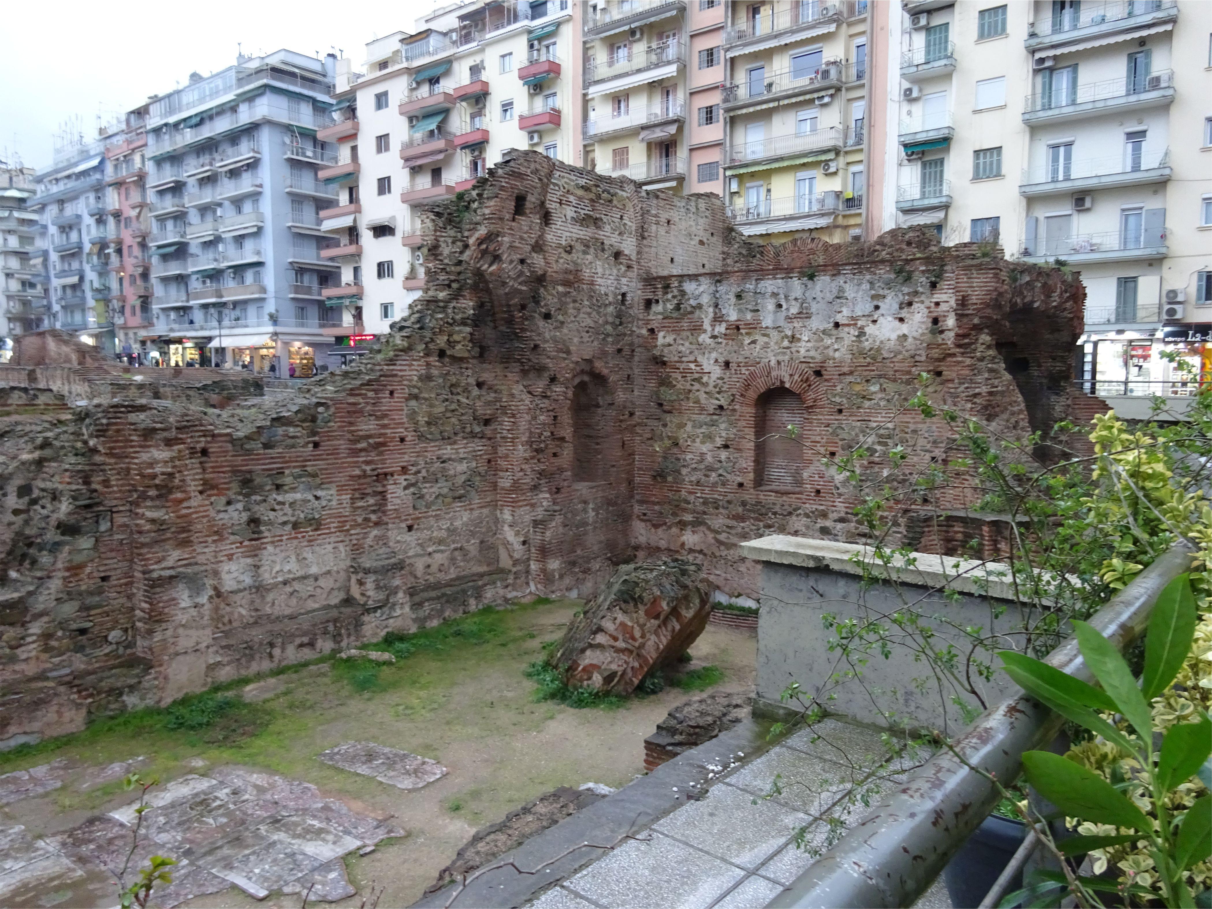 Рисунок 11. Руины в городе Салоники.