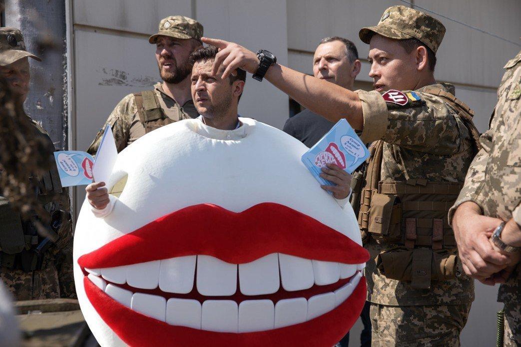 Chochlovinos p-rezidentas atvyko į Donbaso frontą. Na ką, separai, nesitikėjote?!...