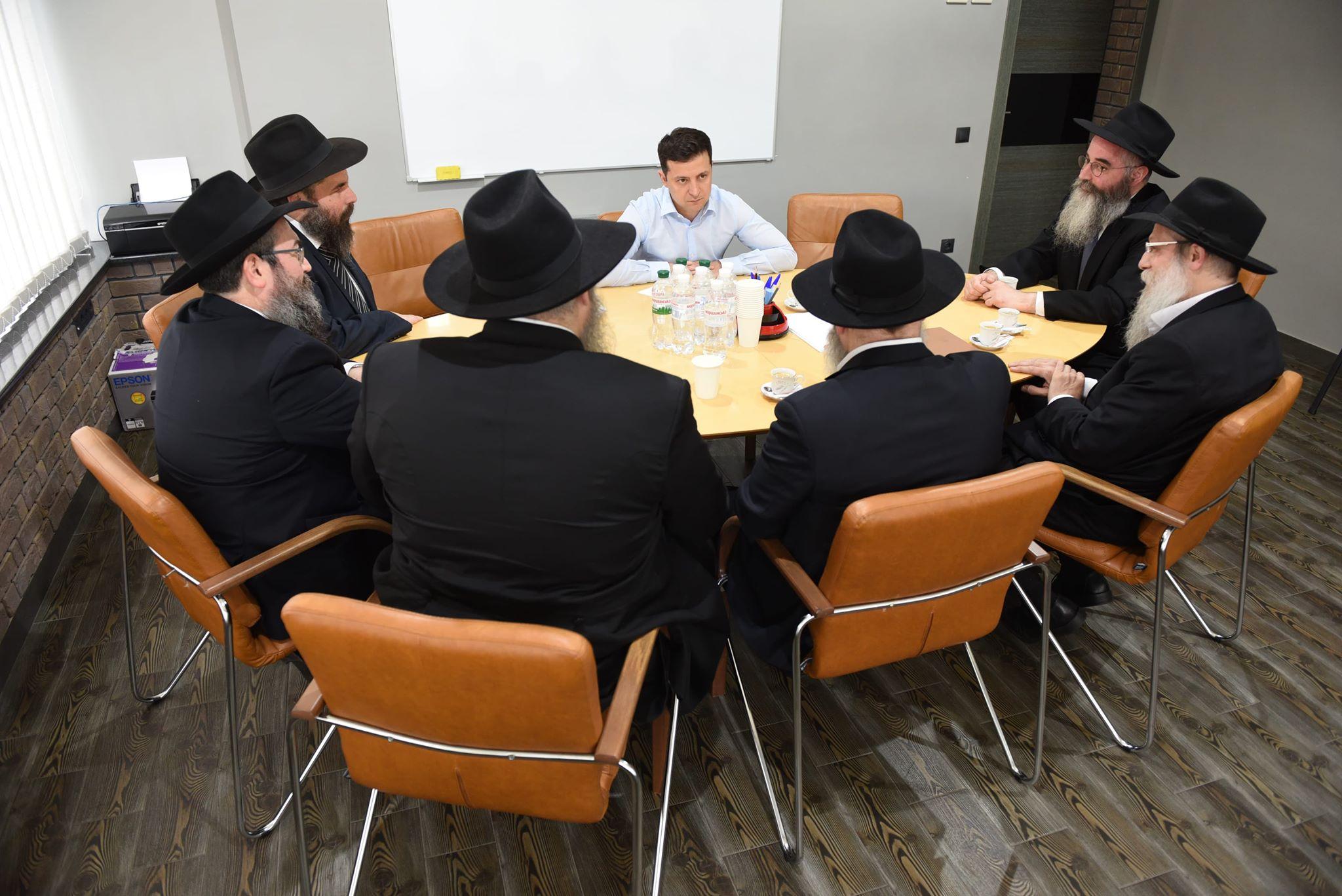 В.Зеленский — такой же член еврейско-иудейской ОПГ, как и его предшественники А.Турчинов и П.Порошенко.