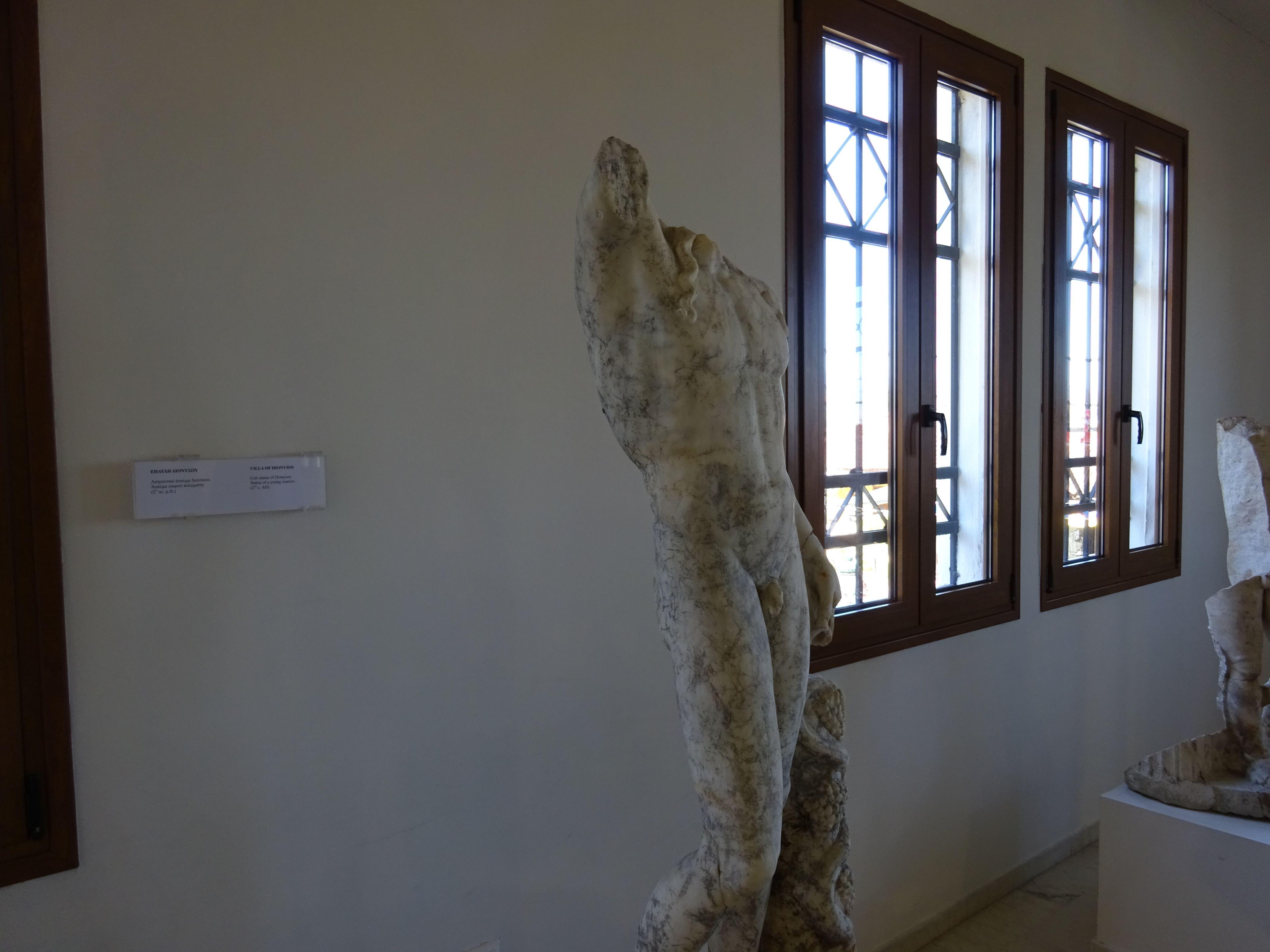 Рисунок 5. Пример древнегреческой скульптуры из мрамора.
