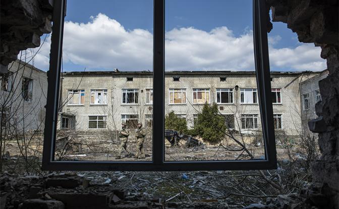 Киев торгуется: Заберем разгромленный Донбасс, если Москва заплатит