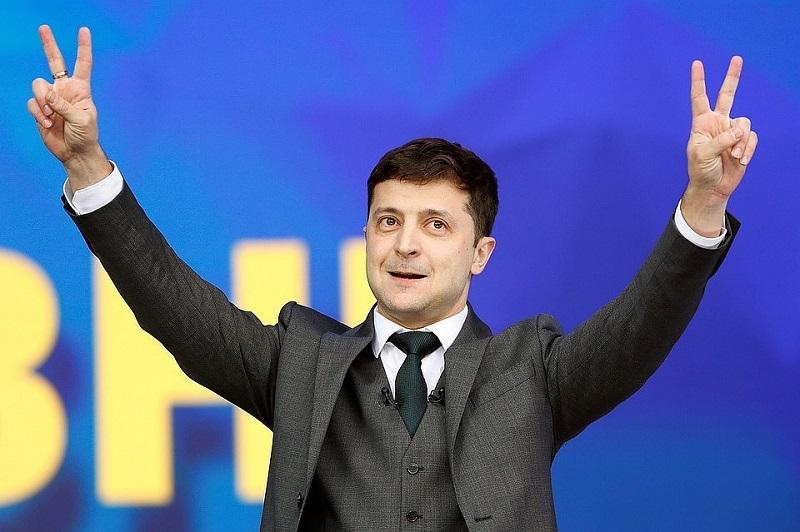 Завтра в семь двадцать две я буду в Борисполе…
