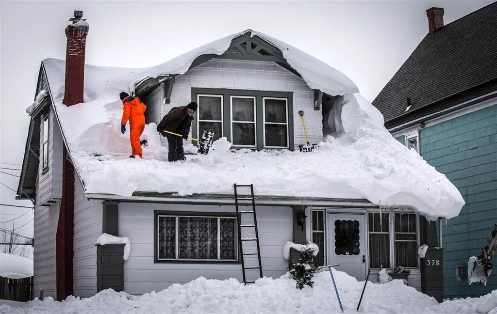 это снег на крыше дома картинки предметы обладают мощным