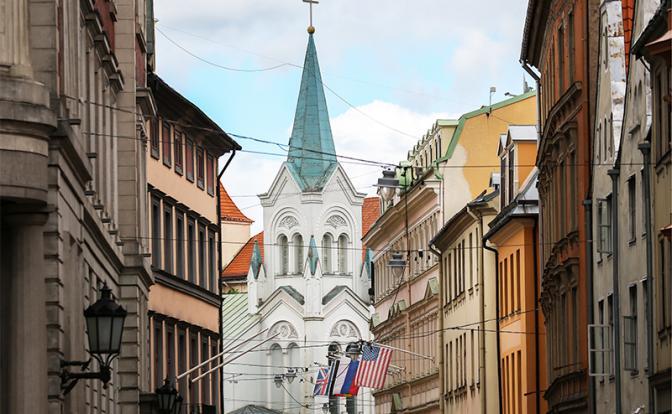 Латвии открылась страшная правда: Страну разорил