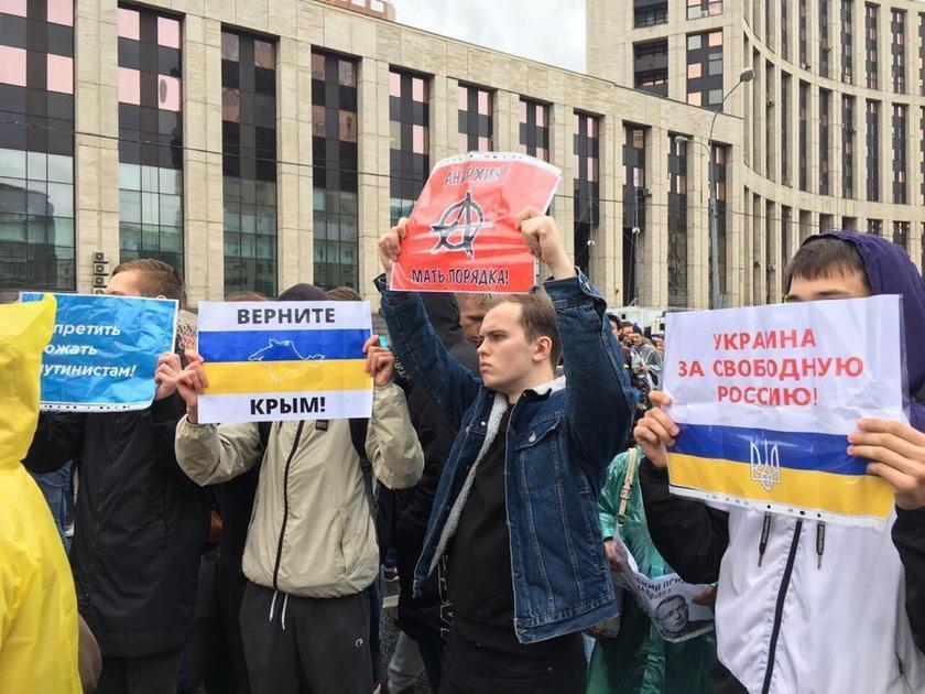 Образы белоленточной революции в России: Дворкович, Жуков, Face и американский посол 8