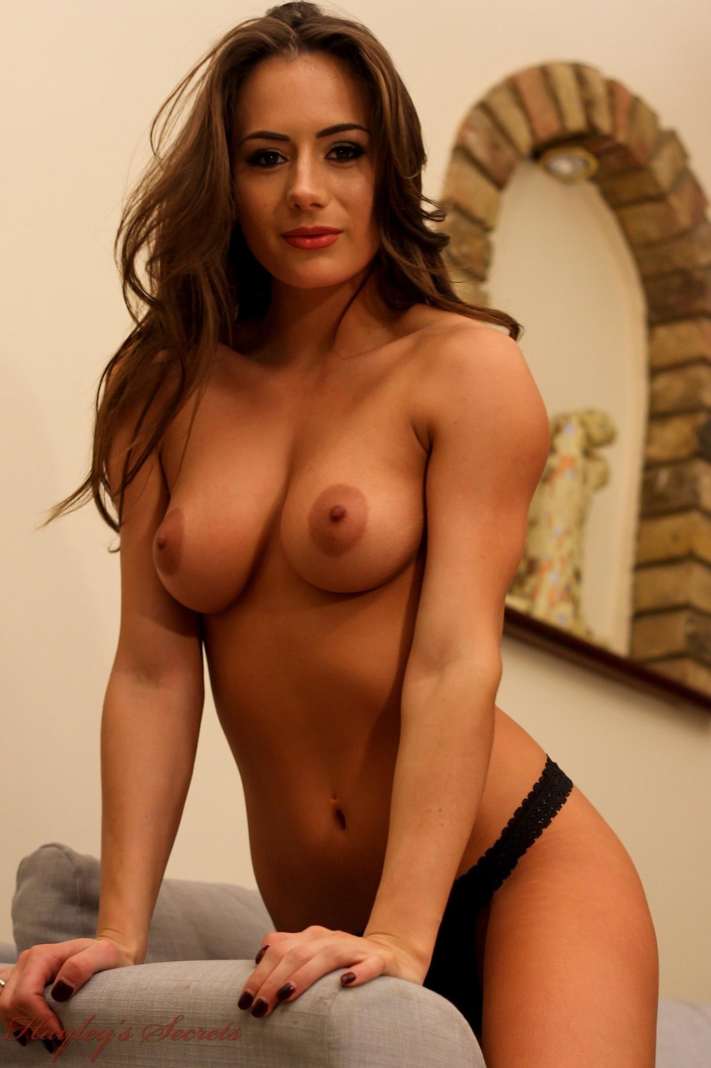 Laura inn topless — photo 9