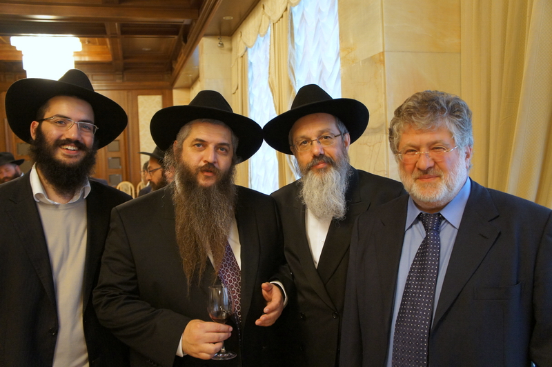 Религиозные евреи.