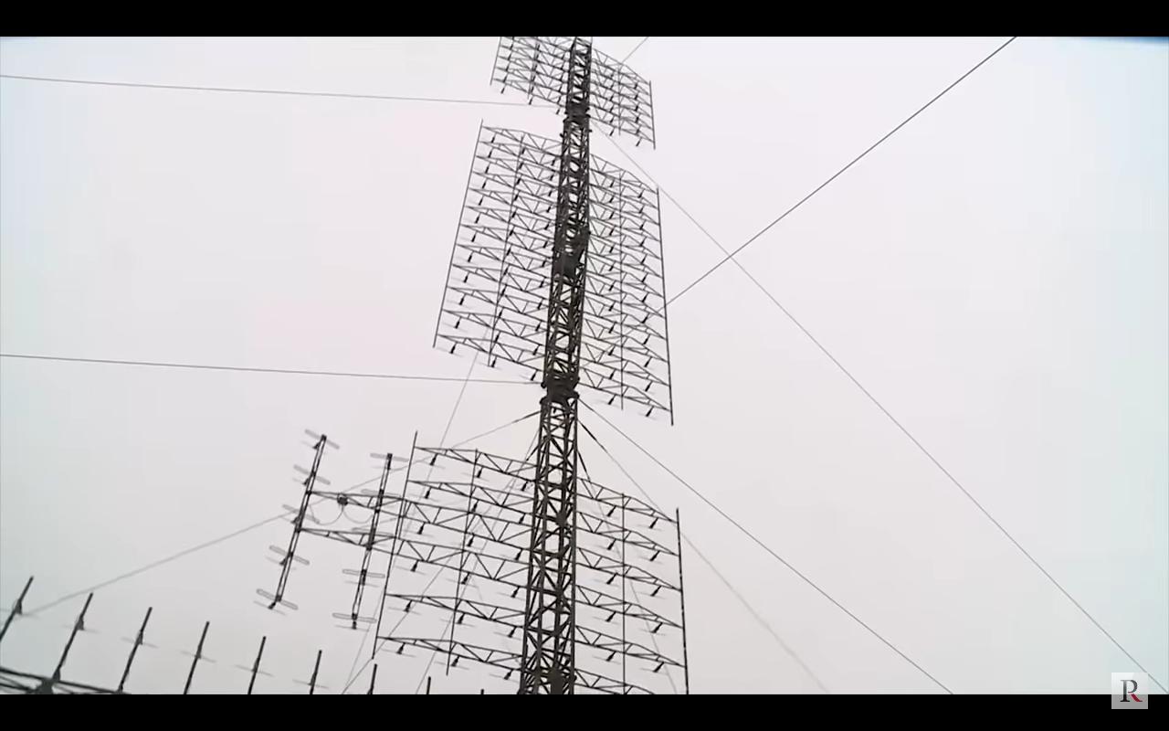 Власовец путлер приписывает новейшие советские радары к своей уголовной фашистской российской федерации!