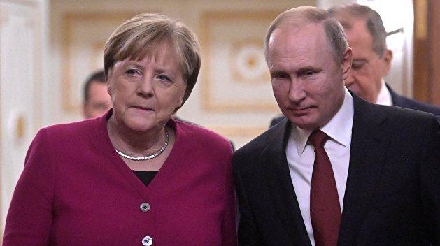 Меркель наступила украинцам на святое