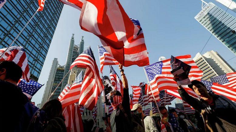 Американцы заметили, кто и как ворует их голоса на выборах