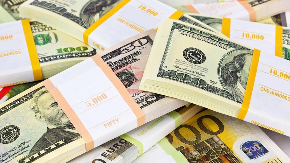 Доллары затапливают и топят мир