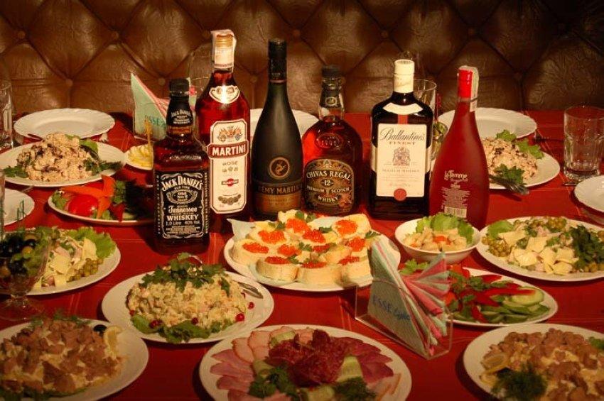 картинки накрытых столов с алкоголем что выигрывать