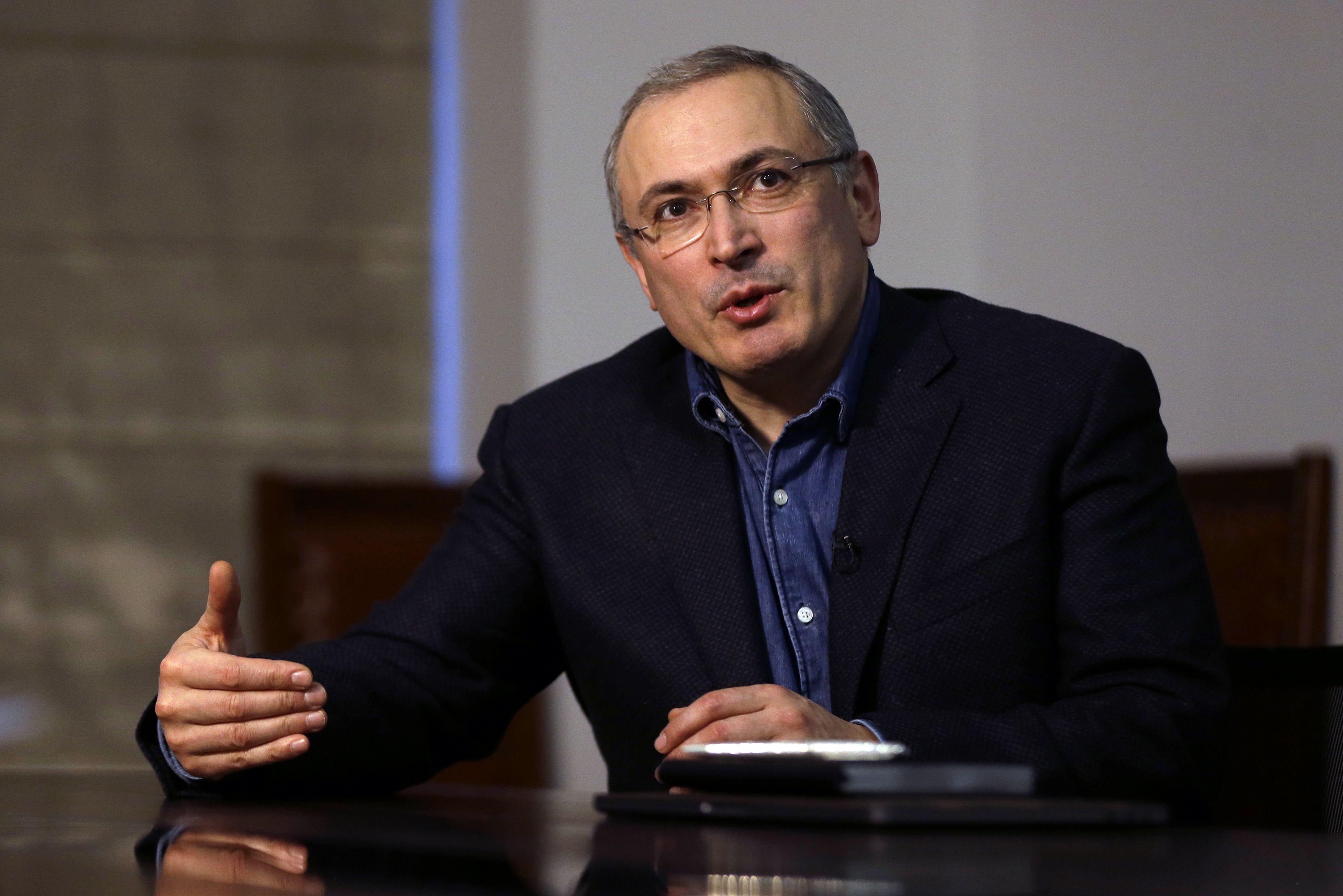 «Темная лошадка» Ходорковского: олигарх мечтает сделать Соболь премьер-министром РФ