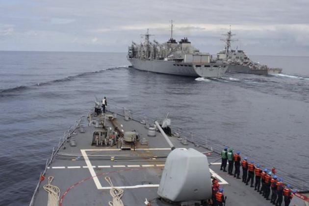 ЧП в Баренцевом море: несколько кораблей НАТО