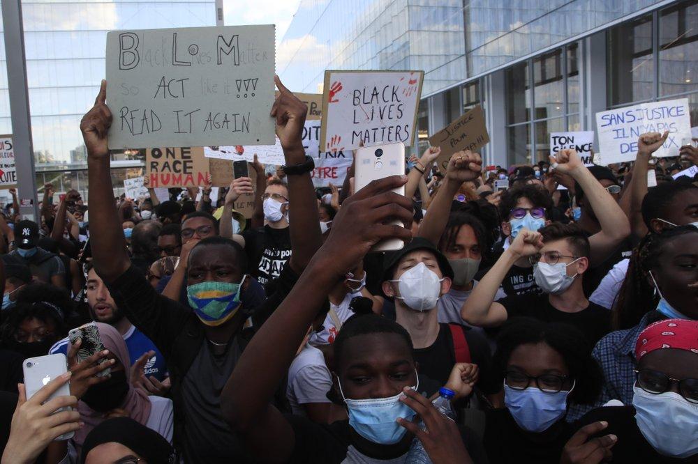 Францию накрыла волна протестов из-за смерти темнокожего Адама Траоре в полицейском участке Парижа 9