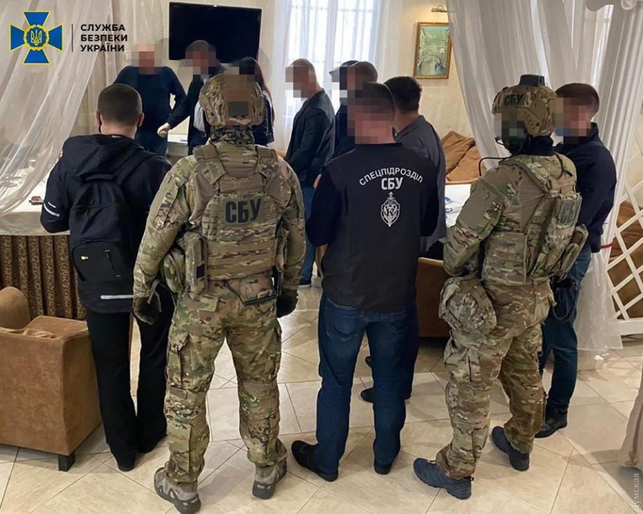 Служба безопасности Украины поймала двух пенсионеров при попытке продать должность губернатора области за $1 миллион