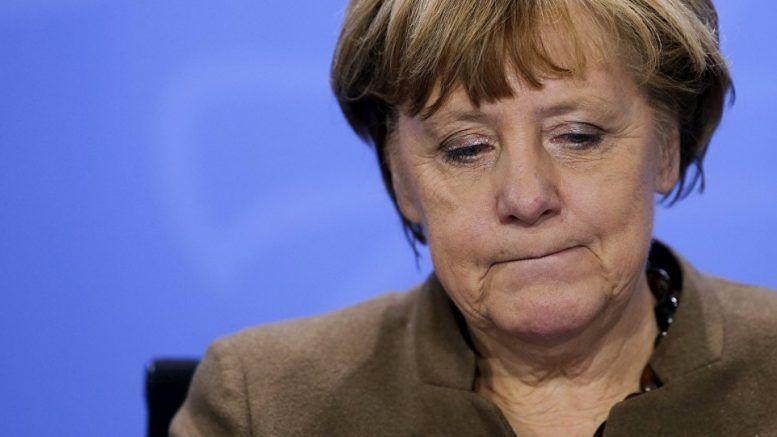 Меркель заявила, что знает, кто заказал Навального