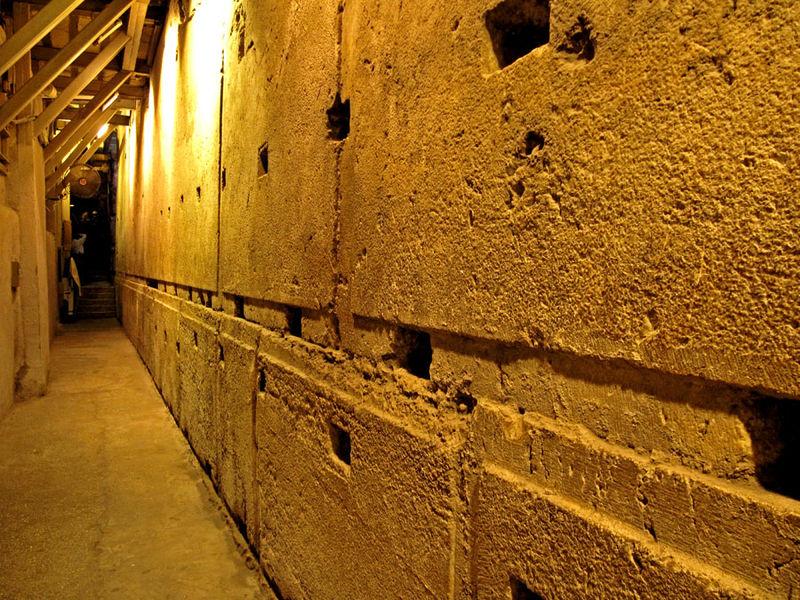 Мегалиты в фундаменте Стены Плача.
