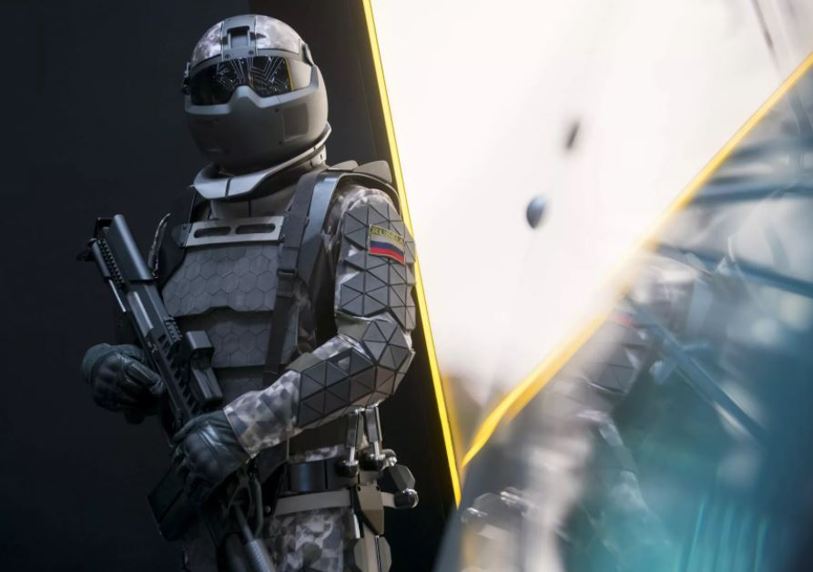 Невероятные возможности новой боевой экипировки «Сотник»...