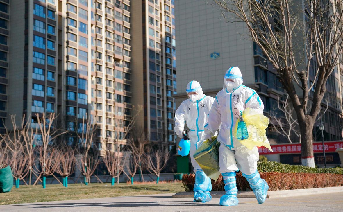 В Китае власти запретили 18 млн жителей выходить на улицу из-за COVID-19