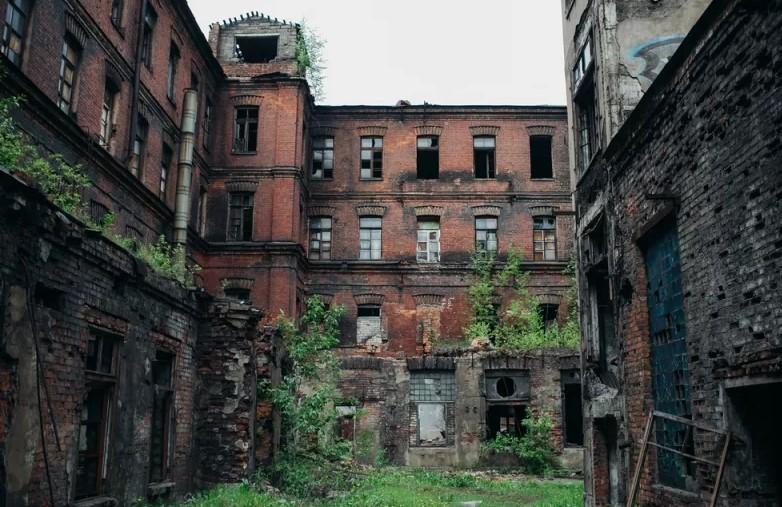Экс-советник главы КИО рассказал, почему Петербург становится руинами