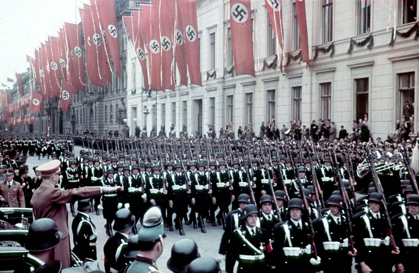 Есть три идеи Холокоста: арийский, христианский и сионистский...