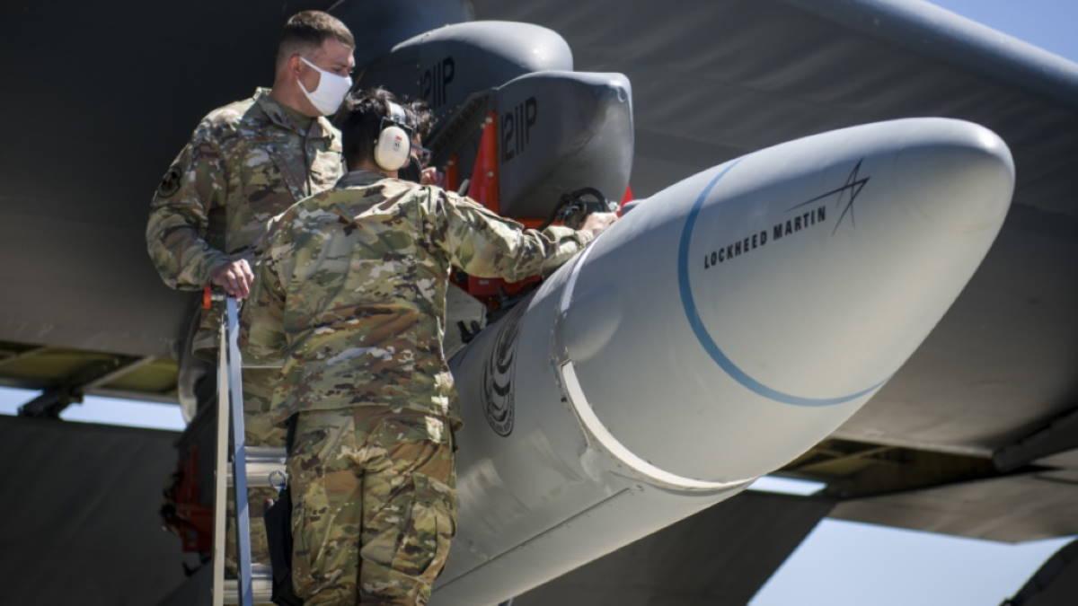 Как обстоят дела у США с обещанной гиперзвуковой ракетой?...
