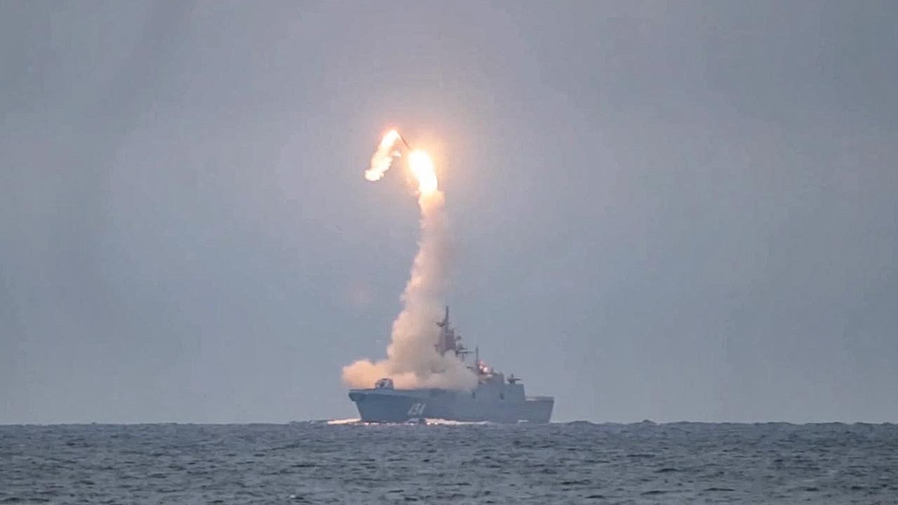 Tsirkon-hypersonic-cruise-launch.jpg