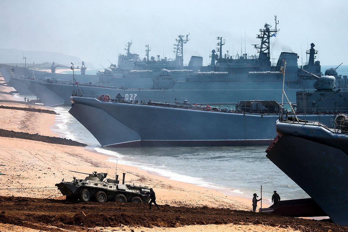 Войска Южного и Западного округов возвращаются в места постоянной дислокации после крупных учений в Крыму