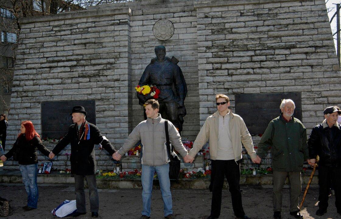 Как страны бывшего СССР извратили память о Победе?...