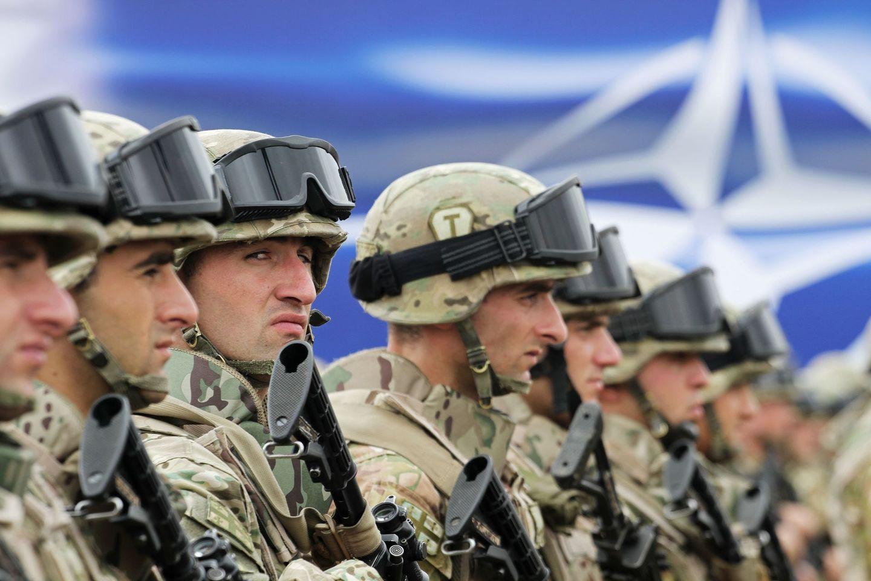 Командующий Северным флотом заявил о росте активности НАТО