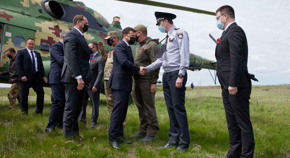 Гнусное выступление Зеленского на Донбассе в окружении представителей Запада