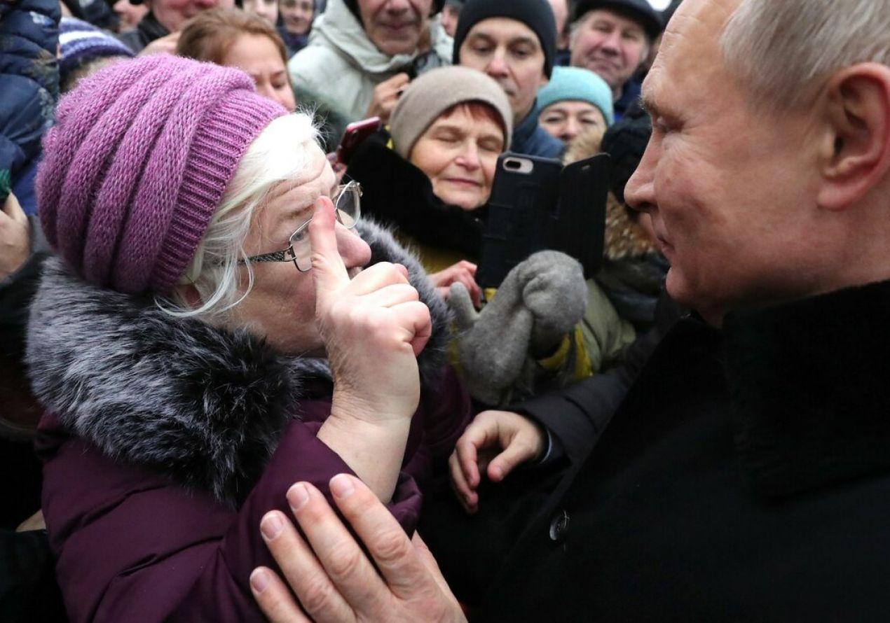 Реальные пенсии падают в России, а пенсионеров стало меньше на 1,2 миллиона человек