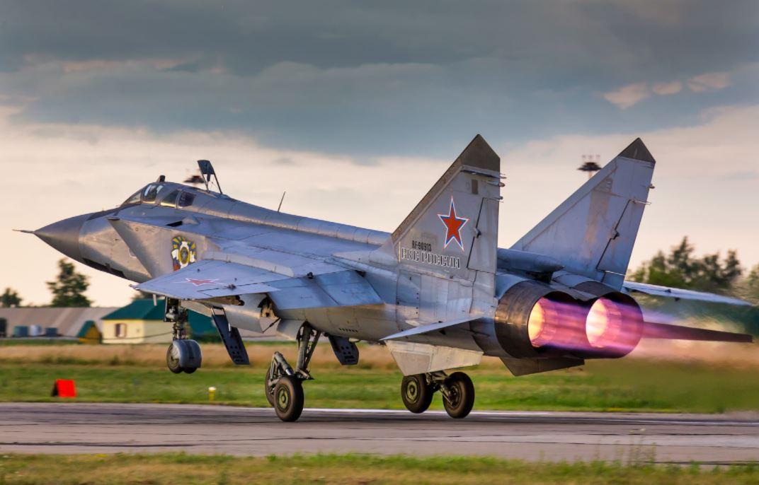 Как МиГ-31 стал универсальным истребителем?...