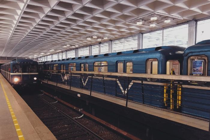 Через 10 лет в Петербурге будет 950 новых вагонов метро и 600 новых трамваев 2