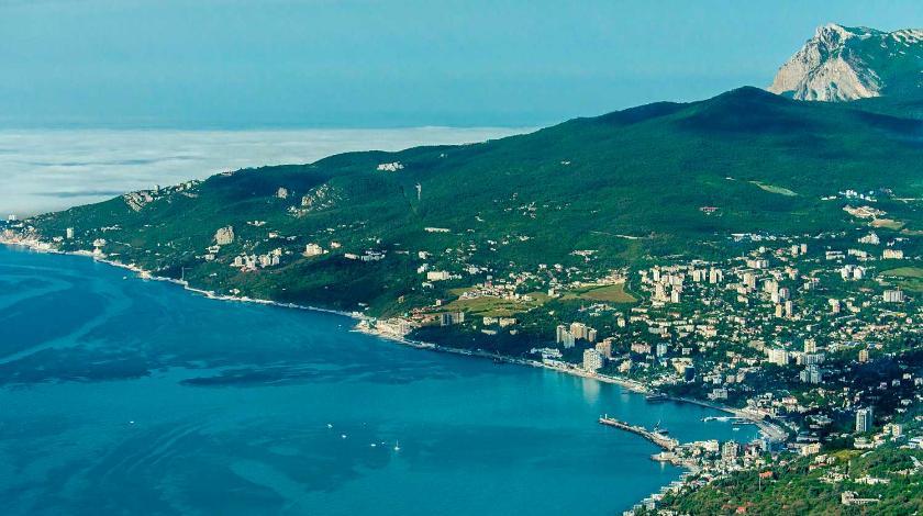В Крыму сравнили число уехавших и приехавших на полуостров украинцев