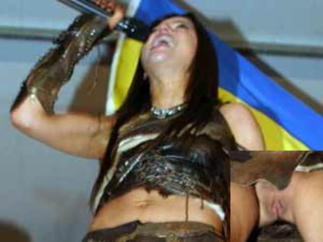 Певица руслана поет без трусов фото фото 510-710