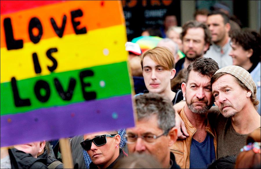 Родители учат сына быть геем фото 265-697