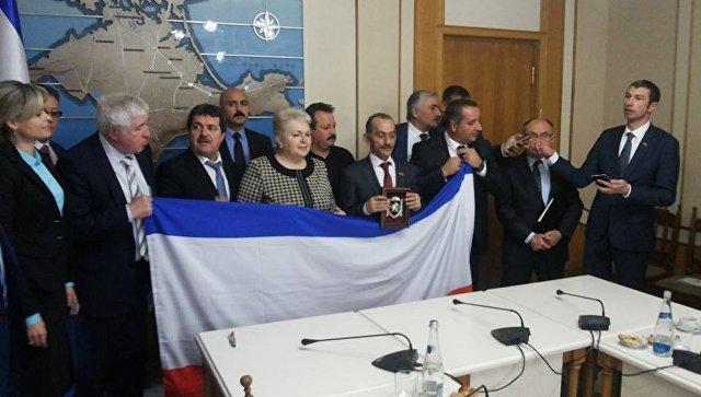 ФАХРАДДИН АБОСЗОДА: Ильхаму Алиеву сейчас не до Крыма