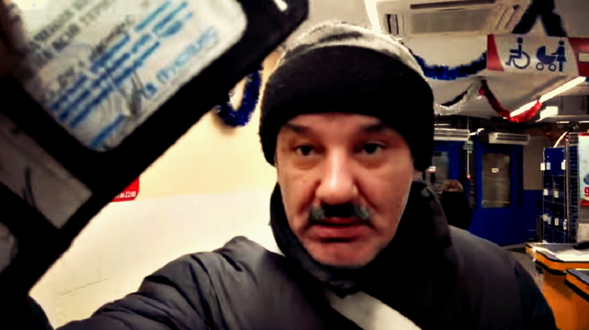 Киевского «патриота», требовавшего говорить с ним по-украински, проучил пожилой АТОшник