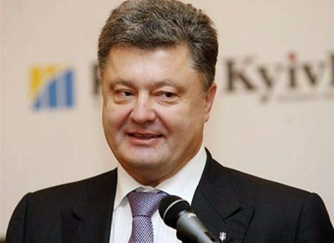 Семенченко о Порошенко: для меня лично вы — ошалевший от страха и жадности олигарх