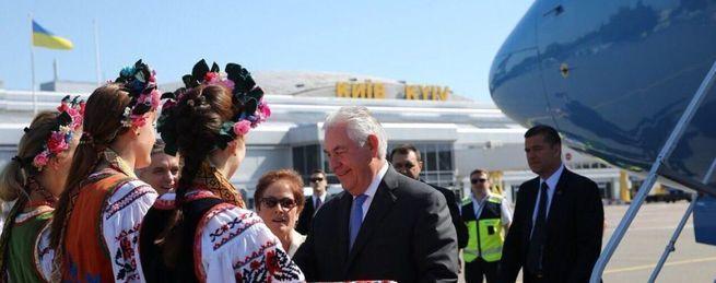 Как Тиллерсон отменяет санкции и его киевские сказки