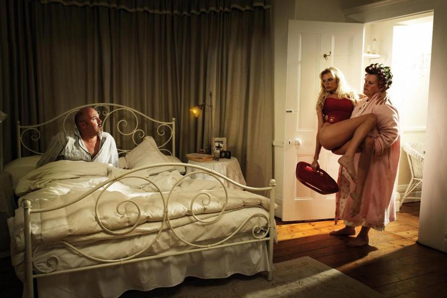 Молодая жена сделала мужу праздник в постели