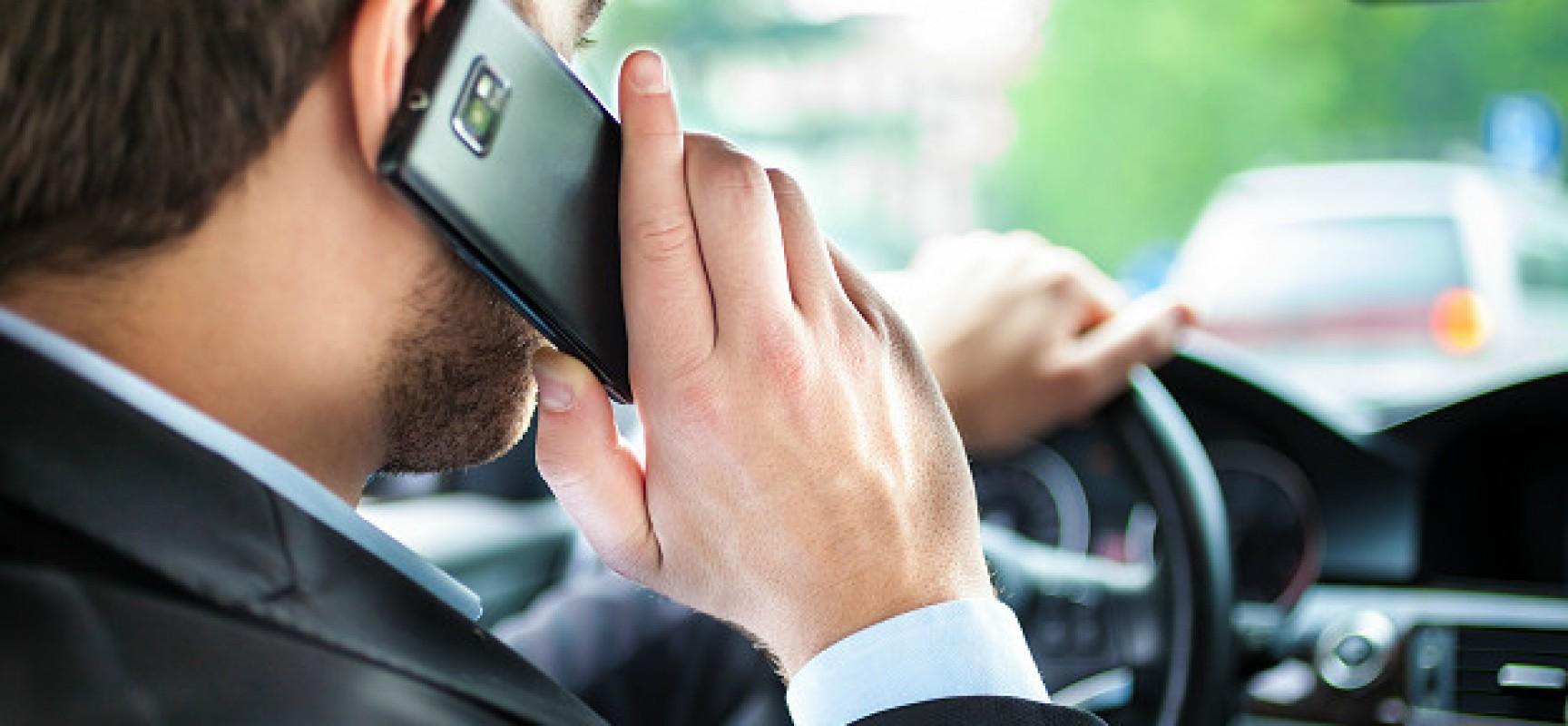 Самый дешевый смартфон в мире поступил в продажу.