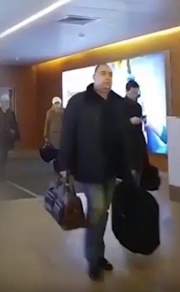 Итак, Плотницкий тихо и мирно убыл из ЛНР и сегодня вечером прибыл в  Москву. Прибыл в новую для себя жизнь, жизнь частного лица, которому не  нужно ни с кем ... 54039c7308b
