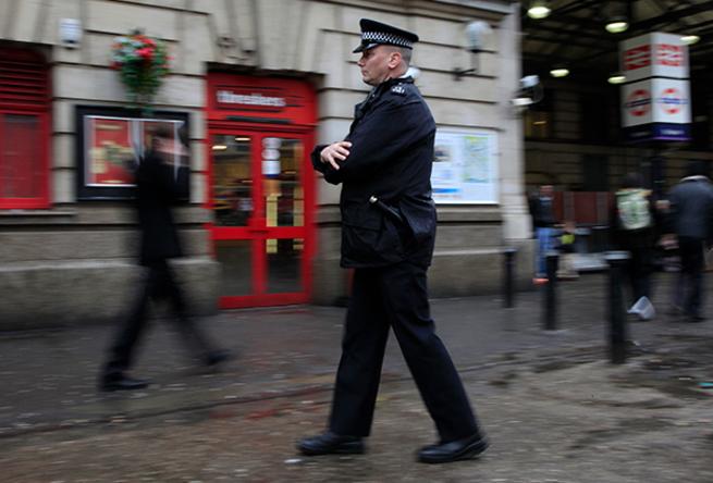 Белые рабыни. Мигранты годами насилуют британских девочек. Полиция боится обвинений в расизме