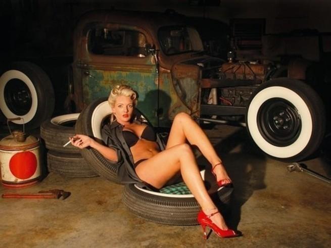 Порно мама в гараже